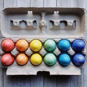 Kreativitás a tojáshéjon: húsvéti tojásfestés régen és most